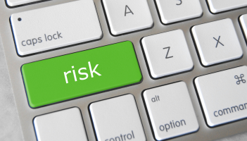 How to Manage the Risks of Online Businesses